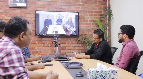 Utviklerne i Dhaka jobber tett med kundene i Norge